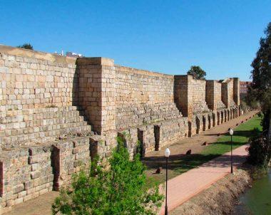 Muralla de la alcazaba árabe