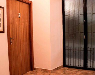 Entrada a los apartamentos a través de un hall privado